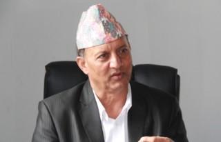 एउटा हातमा राजनीति र अर्को हातमा उद्यम रोजगारीको झण्डा बोकौँ : मन्त्री ढुंगेल