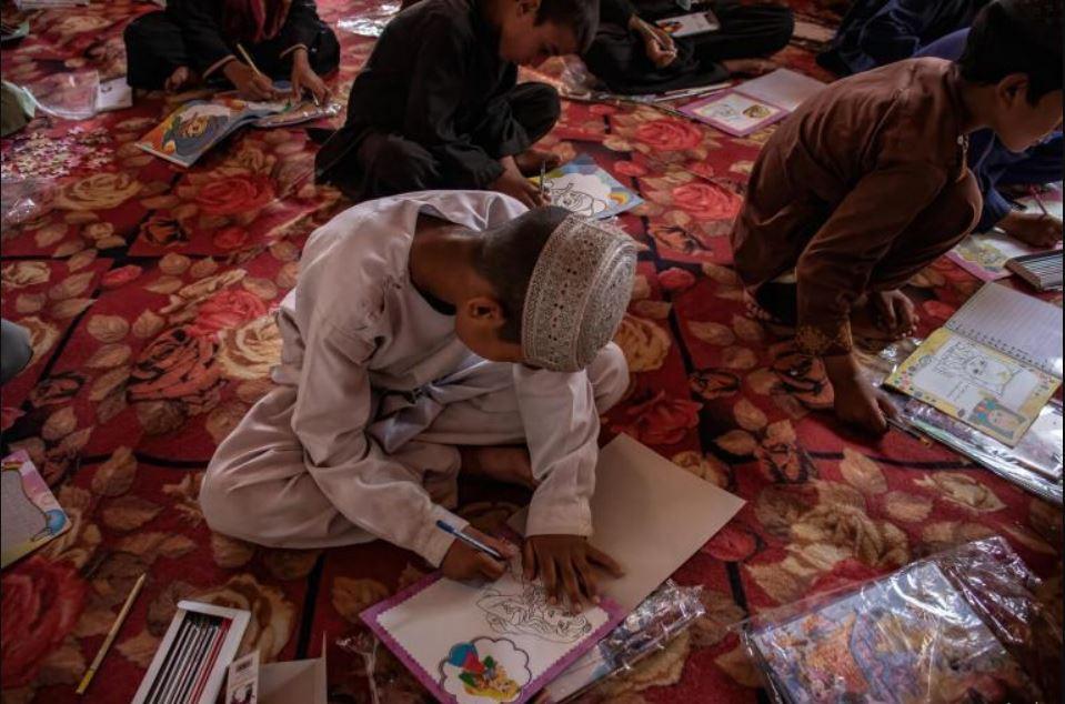 अफगानिस्तानमा तालीबानीले कब्जा जमाएछि बन्द विद्यालय खुल्न थाले